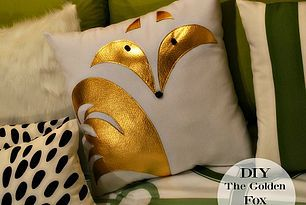 Who says Foxes can't be Golden? [DIY Fox Applique Pillow]