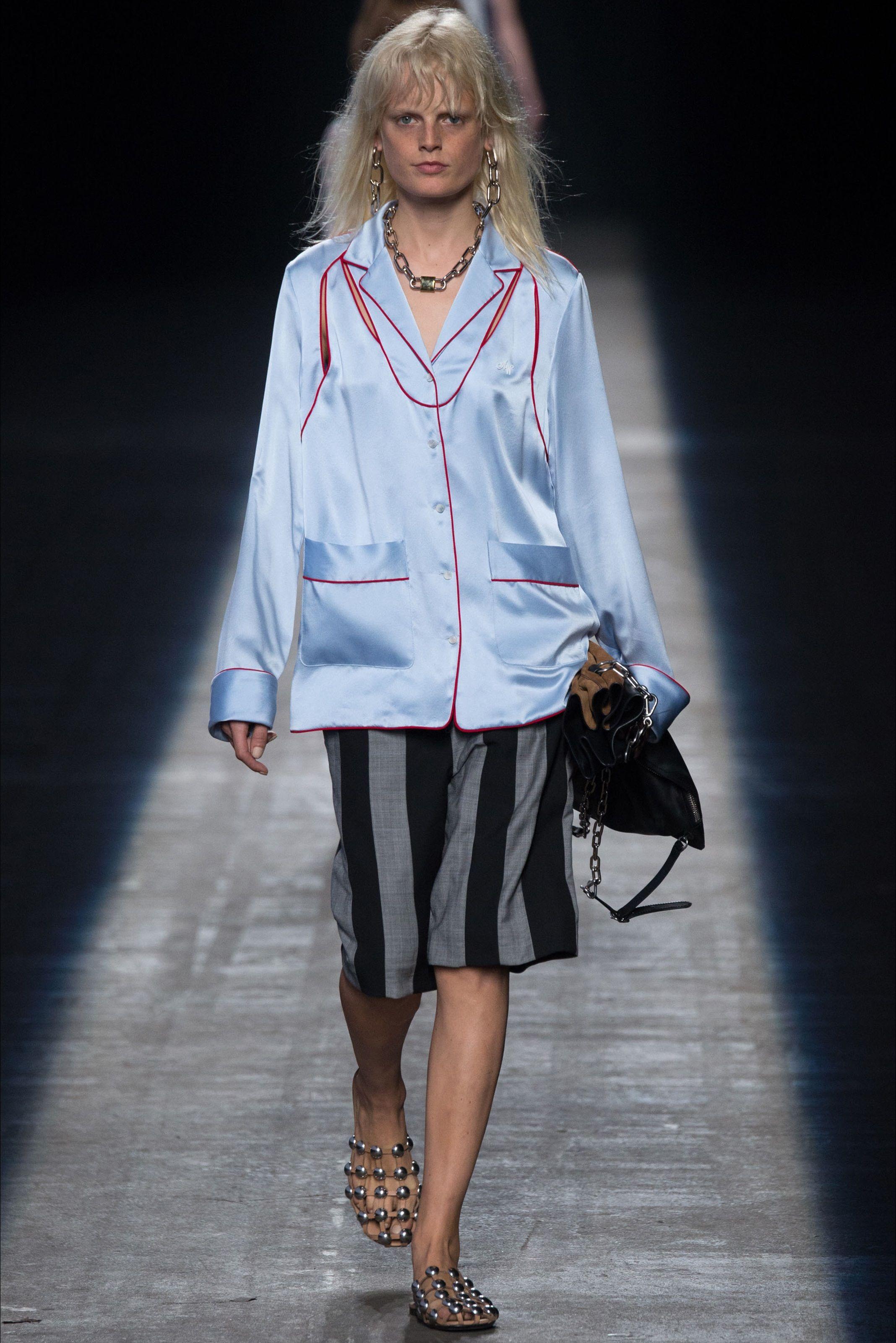 Sfilata Alexander Wang New York - Collezioni Primavera Estate 2016 - Vogue