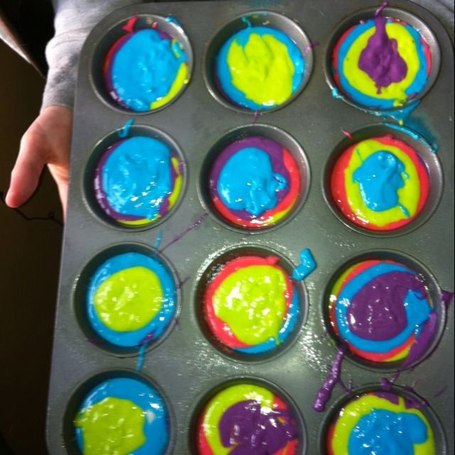 Neon cupcakes: a white cake mix with 1 &1/2 cups of 7up, split into 4 separate bowls and mixed with neon food coloring :) bake at 350 for 15 minutes! Use neon food dye to color the icing and decorate!