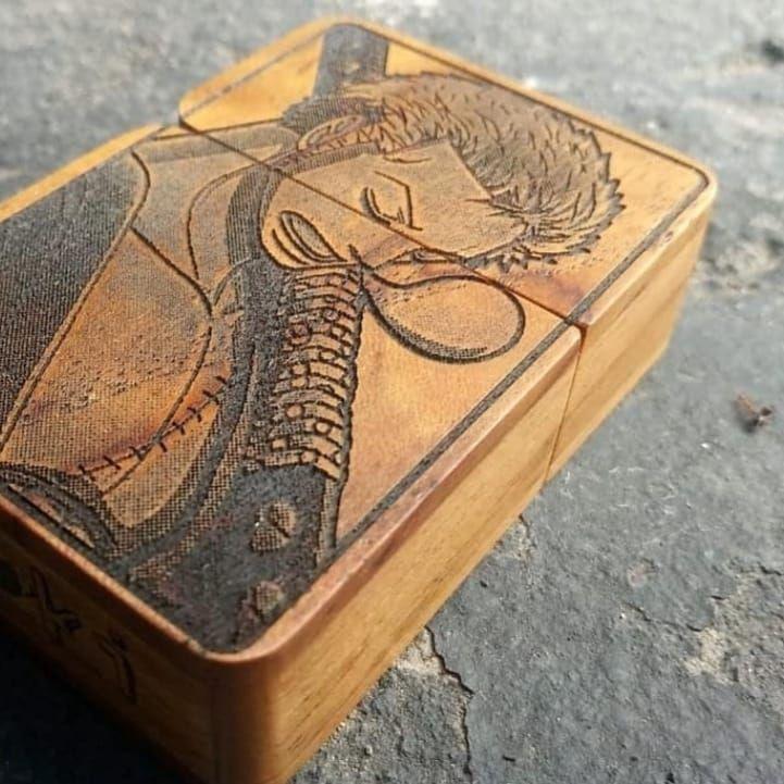 Zippo custom kayu art of zoro ___________ Zippo custom ...