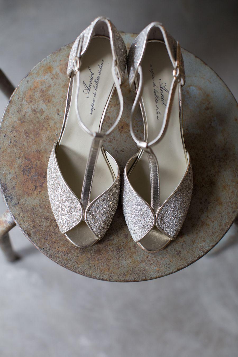 Vintage o boho chic idee per il tuo stile da sposa silver shoes