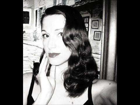 Veronica Lake Peekaboo Hairstyle, (The Old Fashioned Way