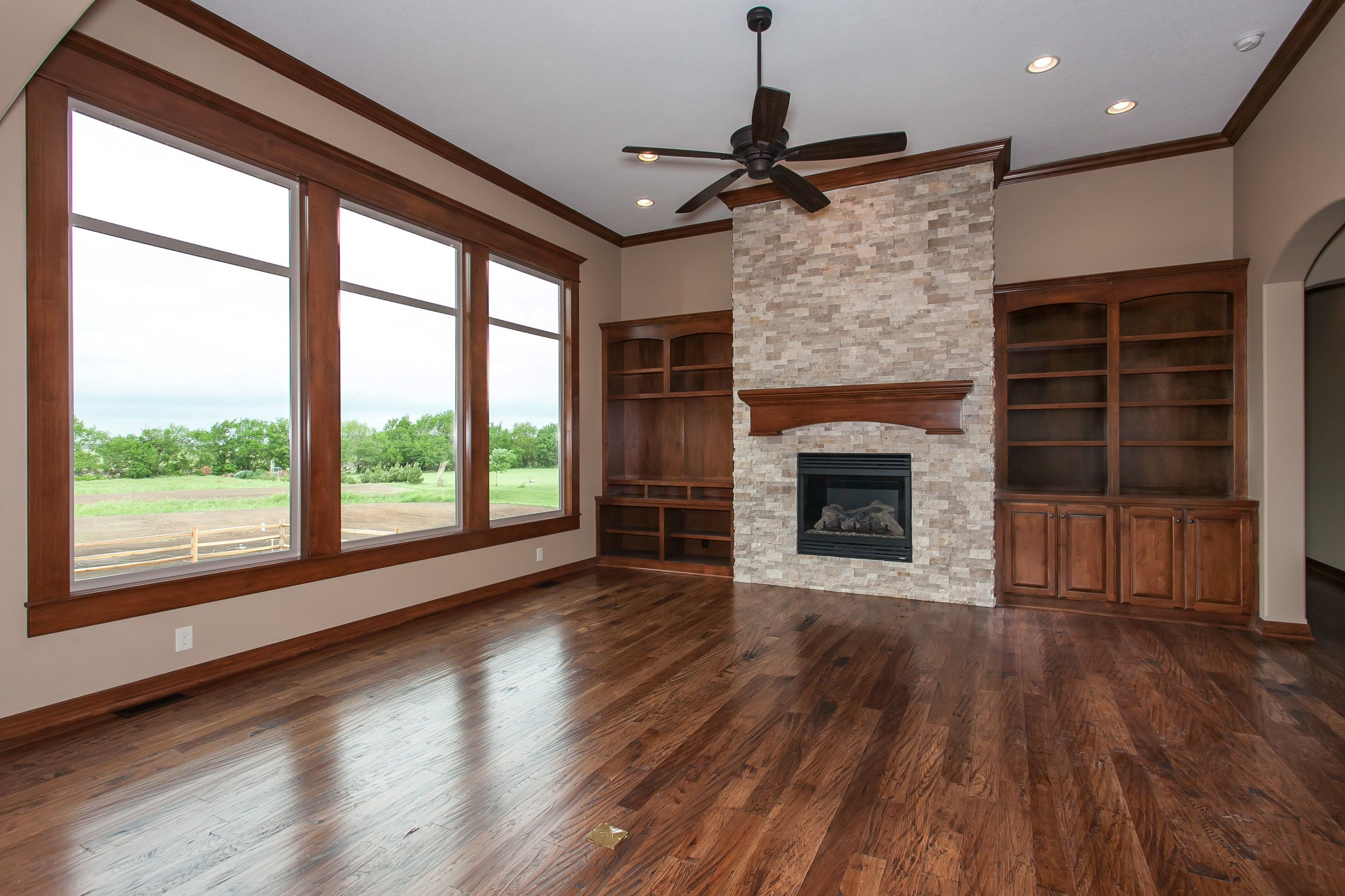 Pin On 3 000 Sq Ft Rustic With Media Room Upstairs