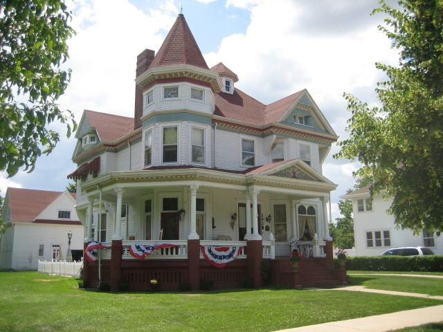 242 West Center Street Paxton Il Victorian Homes Old House Dreams Old Victorian Homes