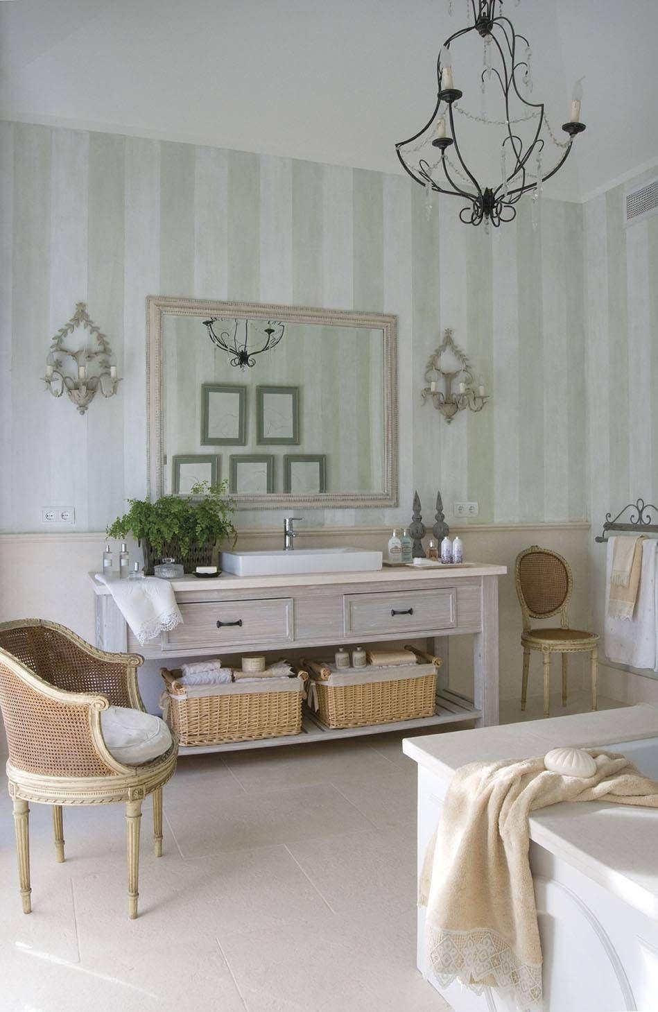 Pin de María en baño   Muebles de baño, Baño clásico ...