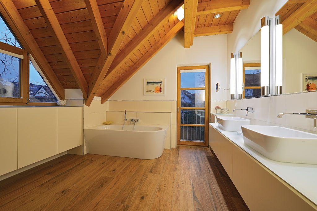 Badezimmer Holz sanieren in Eiche natürlich mit Waschtisch und ...