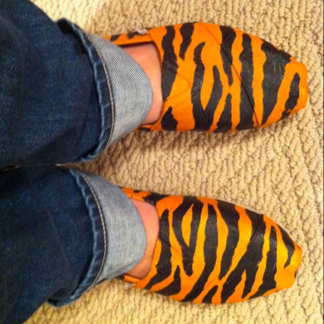 Painted tiger Toms for Memphis tiger games!