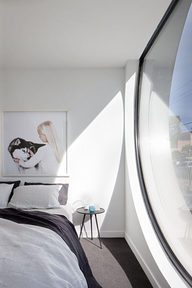 rundes Fenster Schlafzimmer Teppichboden Tageslicht #architektur - teppichboden für schlafzimmer