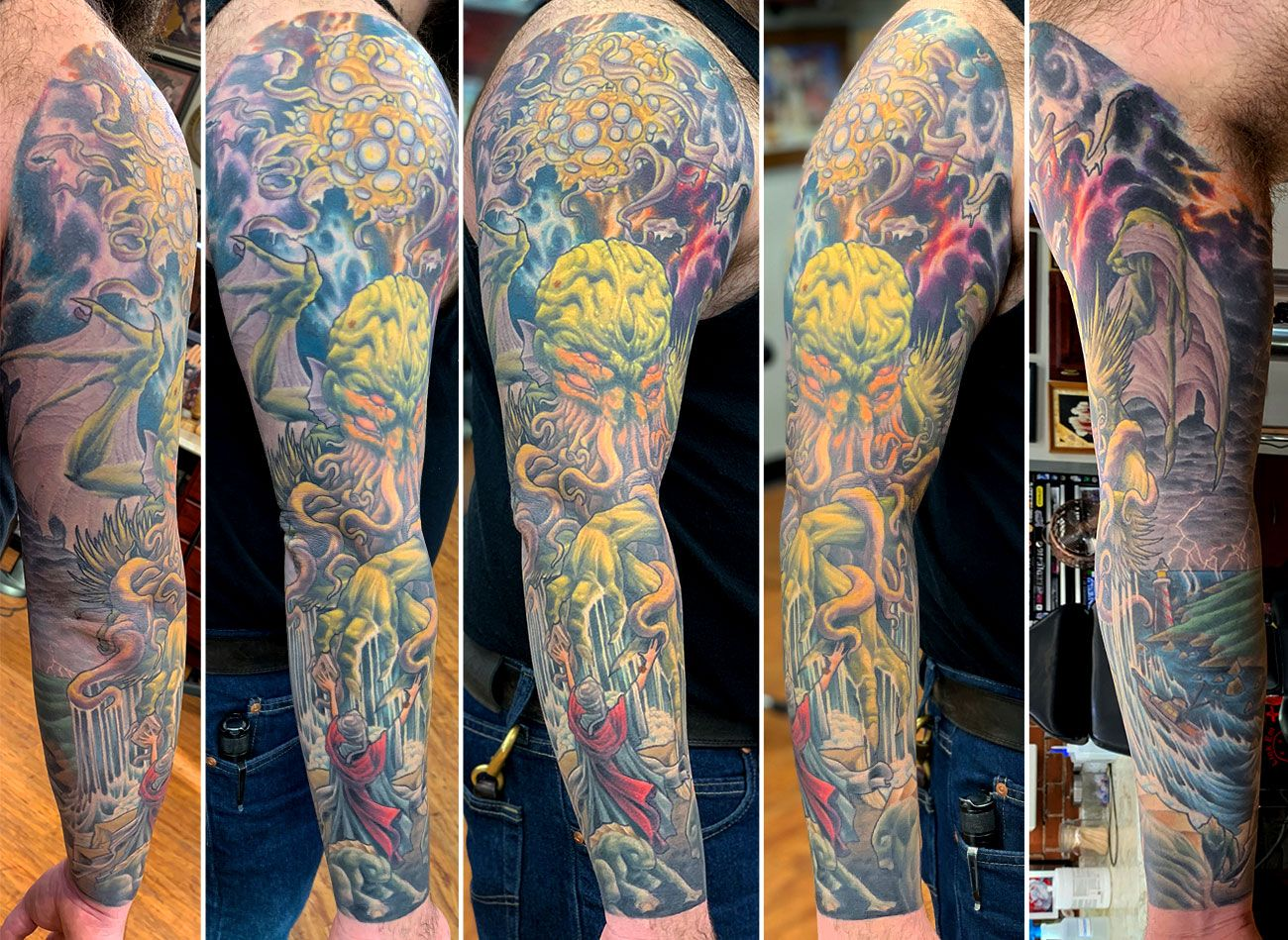 Awesome Hp Lovecraft Inspired Sleeve Done By John Kautz Hplovecraft Cthulhu Necronomicon Sleevetattoo J Cthulhu Tattoo Tattoo Artists American Traditional