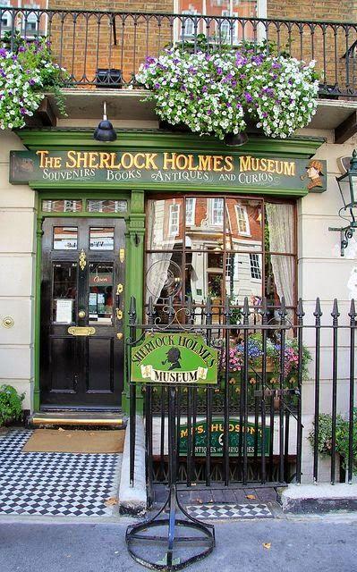 Winkelgevel- Terras- Straat ~Sherlock Holmes Museum, Londen~