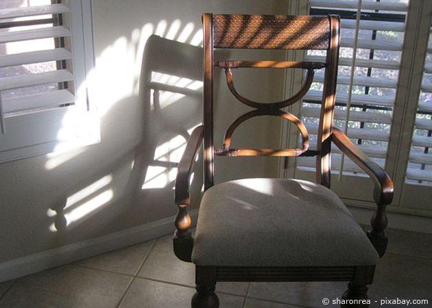 st hle selber beziehen geht ganz einfach in wenigen schritten zuk nftige projekte pinterest. Black Bedroom Furniture Sets. Home Design Ideas