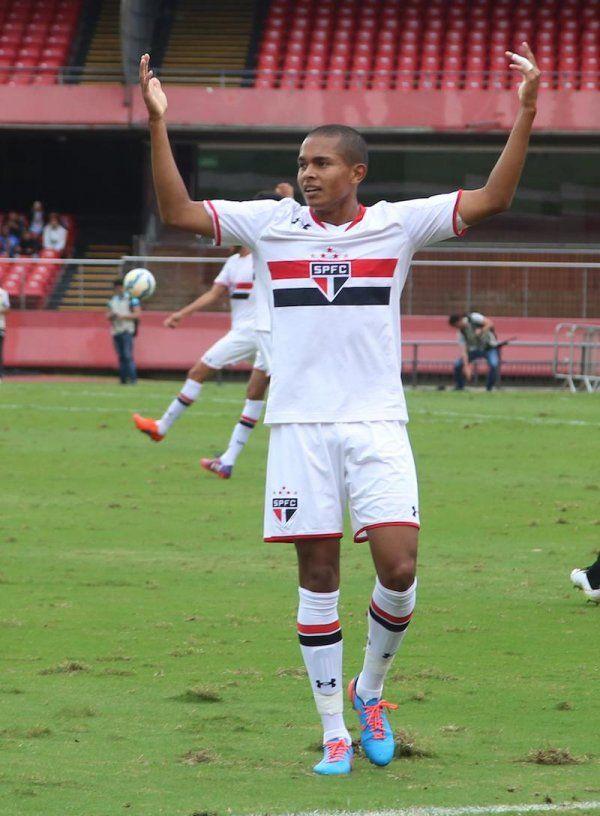 685e8af0baf Jovem do São Paulo é o primeiro patrocinado pela Under Armour no Brasil -  Guia do Boleiro