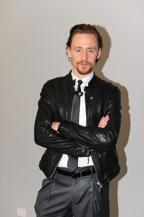 """Tom """"to freaking gorgeous for his own good"""" Hiddleston"""