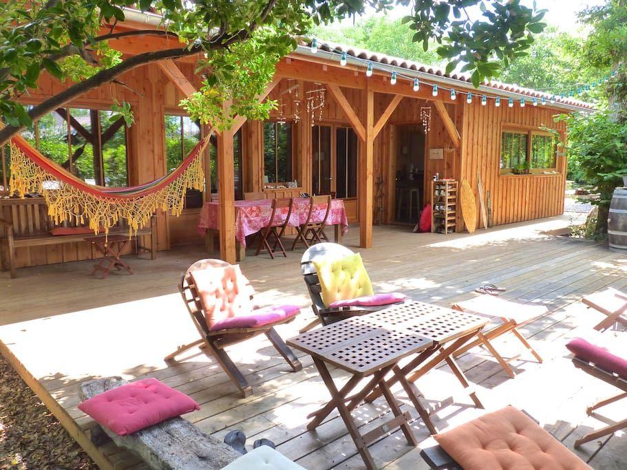 à Arès, FR Magnifique maison en bois, dans la tradition des cabanes