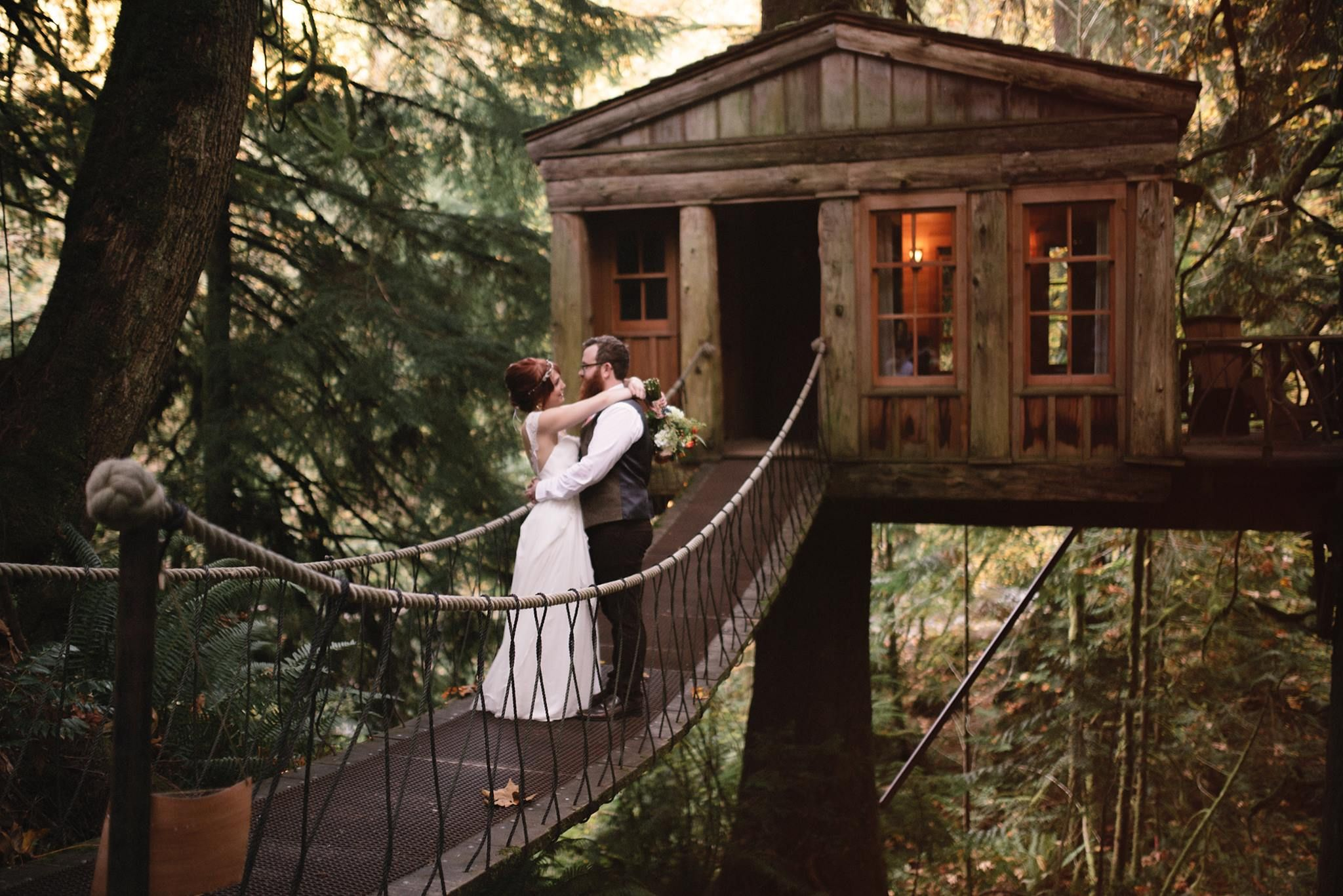 This treehouse wedding is a childhood dream come true! | Roland Hale Photography