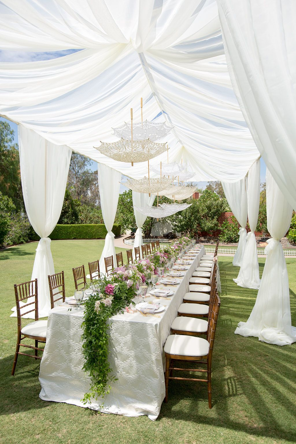 Romantic vintage inspired outdoor bridal shower with for Outdoor brunch decorating ideas