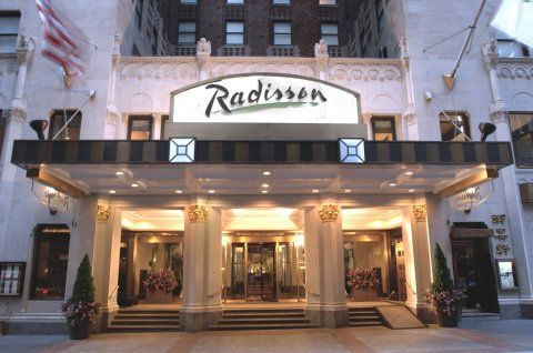 The Radisson Lexington Hotel Ny Is A Superior First Class Hotel Featuring Starbucks In The Lobby Located On Manhattans Fashiona New York Hotels Ny Hotel Hotel
