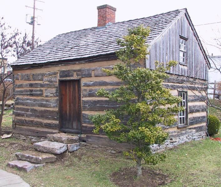 Old log cabin home pictures.