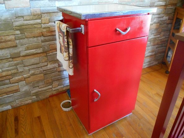 From Hot Mess to Red Hot | Metal kitchen cabinets, Update ...