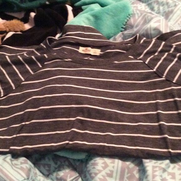 Hollister easy fit tee Size large worn one time long sleeve Hollister Tops Tunics