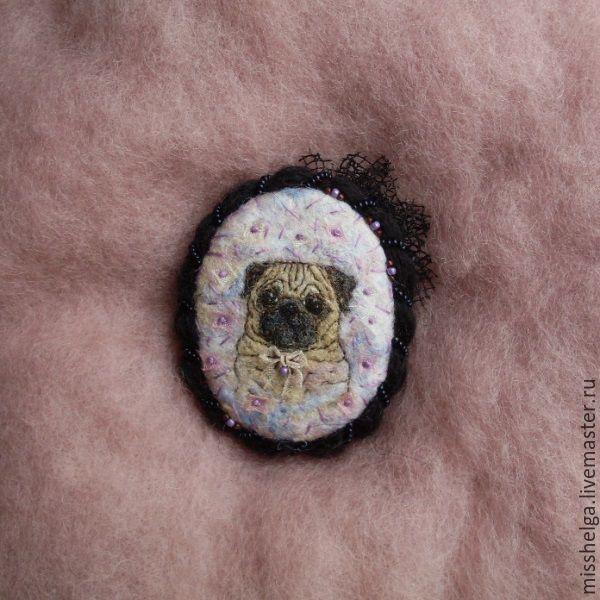 """Купить Брошь """"Конфетный Мопс"""" мини_картина - комбинированный, радужный, черный, мопс, мопсик, брошь, брошка"""