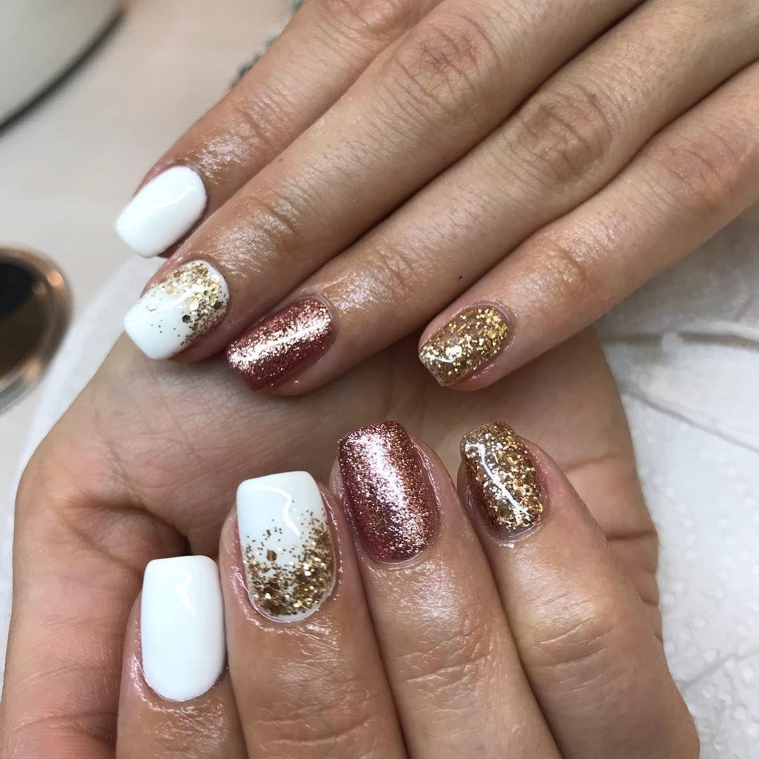 White Rose Gold Nails Nailstagram Nailart Naildesign Winternails Whitenails Christmasnails Nails Inspiration Winter Nails Christmas Nails