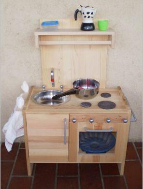 Come realizzare una cucina giocattolo in legno | DIY | Pinterest ...