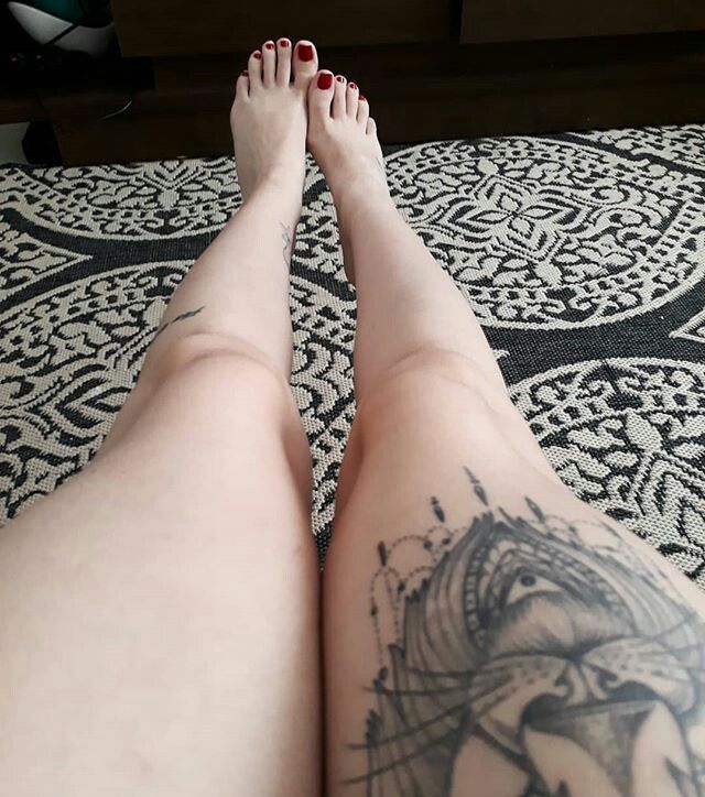 Pretty tattoo ideas for foot and ankle tattoos for women
