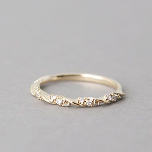 Such A Pretty Wedding Band Elegant Engagement Rings Gold