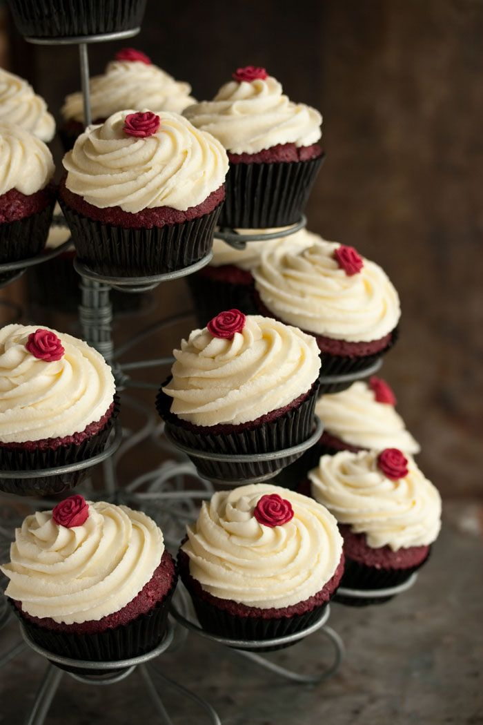 The Best Red Velvet Cupcakes With Cream Cheese Frosting Eat Cake For Dinner Via The Recipe Critic Savoury Cake Red Velvet Cupcakes Recipe Red Velvet Cupcakes