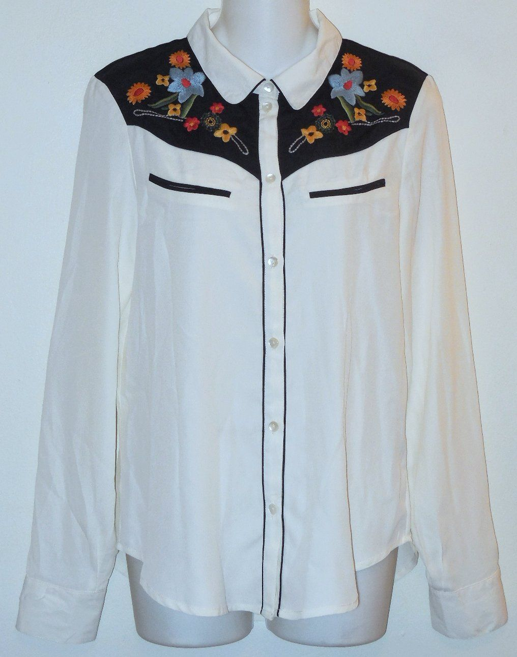 20f216e423b3ab Sanctuary Clothing White Western Button Down Shirt. Free shipping and  guaranteed authenticity on Sanctuary Clothing White Western Button Down  ShirtClassic ...