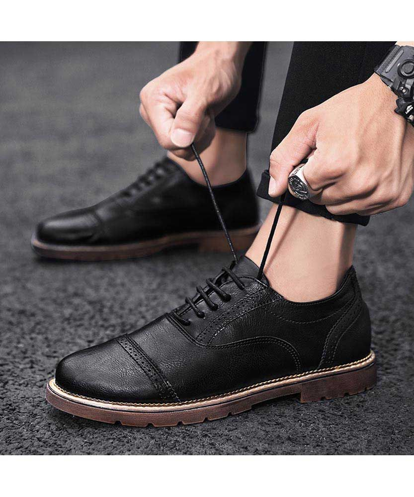 Black Brogue Oxford Dress Shoe Round Toe In 2021 Dress Shoes Men Black Brogues Oxford Dress Shoe [ 1000 x 833 Pixel ]