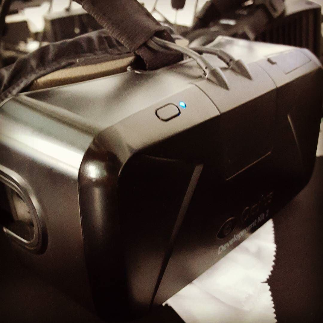 An awesome Virtual Reality pic! Überall nur #vr :) :) #oculus #oculusrift #virtualreality #vrei by blogdottv check us out: http://bit.ly/1KyLetq