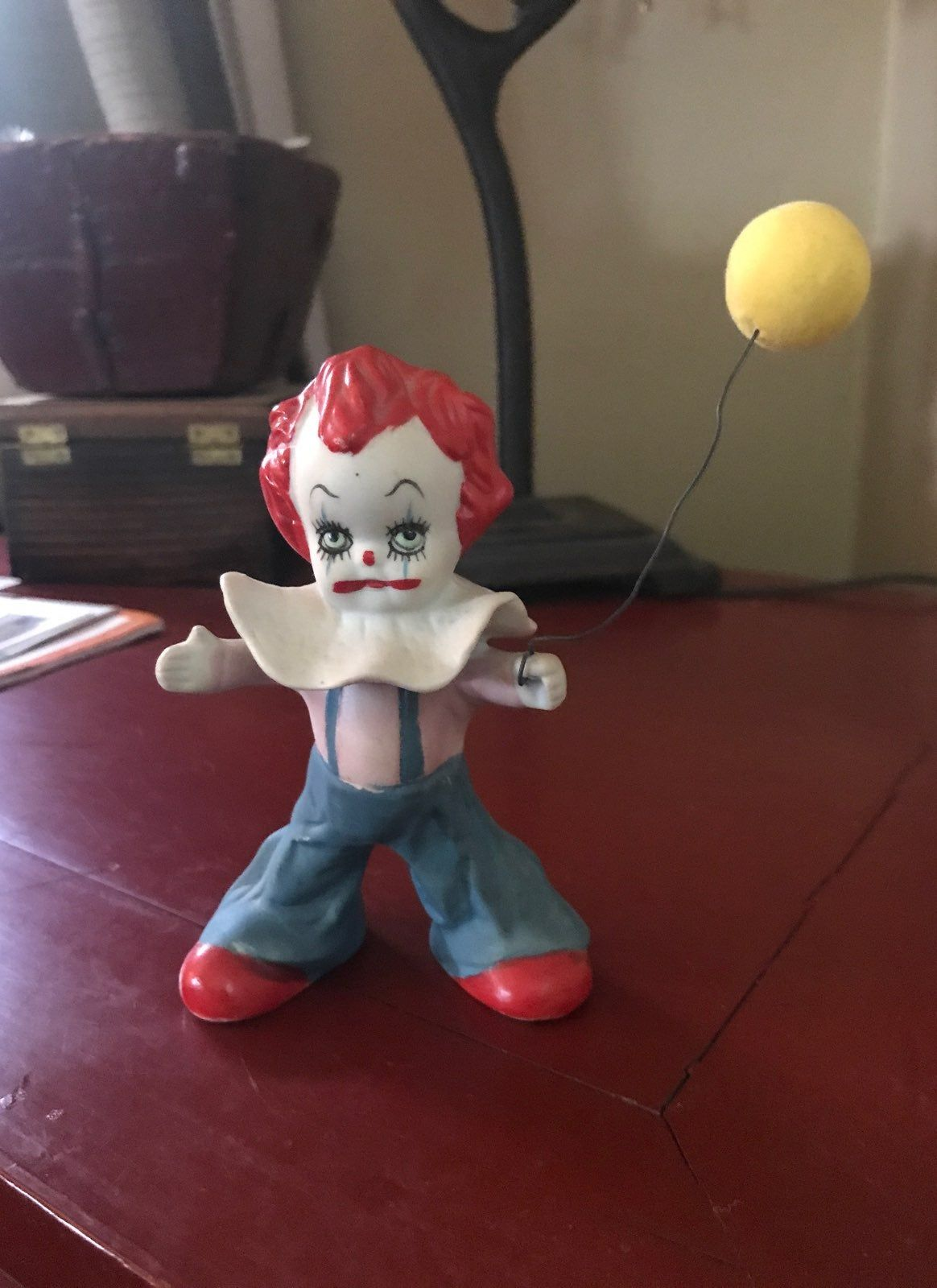 """Scary clown figurine approx. 5 """" tall with balloon. No"""