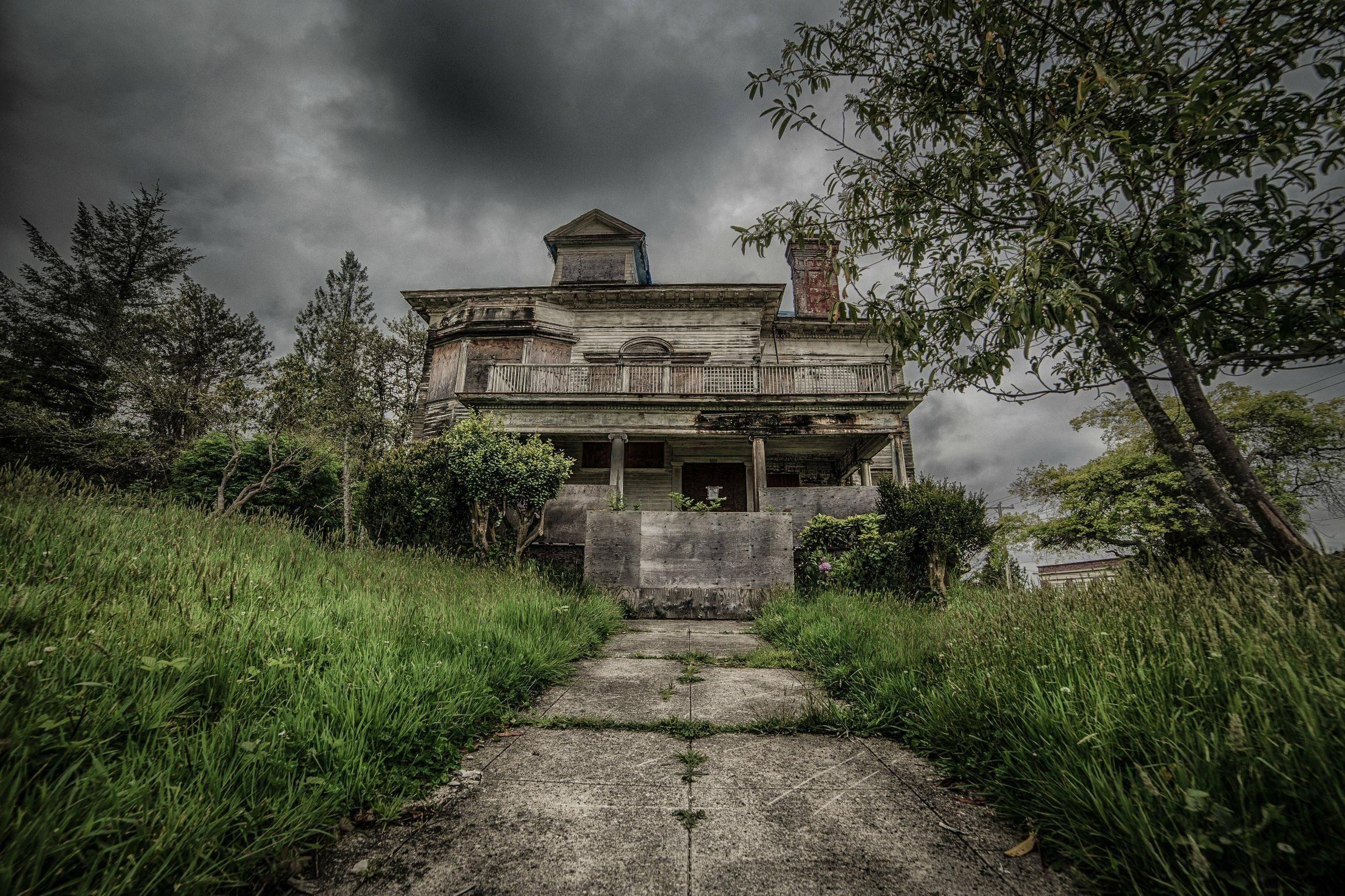 Abandoned House Astoria Oregon