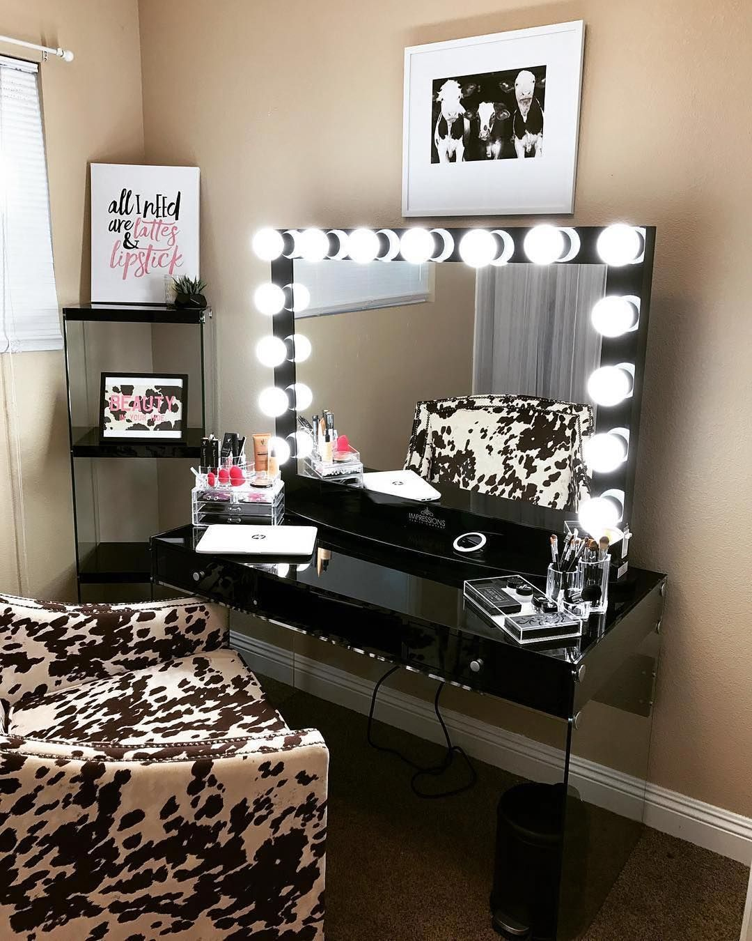 Special Chic Black Makeup Table Vanity With Light For Bedroom