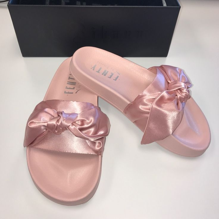 Puma Shoes  Rihanna Puma Fenty Bow Slides  Color Pink  Size 65 Puma Shoes  Rihanna Puma Fenty Bow Slides  Color Pink  Size 65