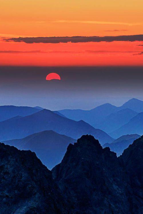 Looks Like The Smokey Mountains Nc Gorodskoj Pejzazh Zhivopisnye Pejzazhi Idei Ozeleneniya