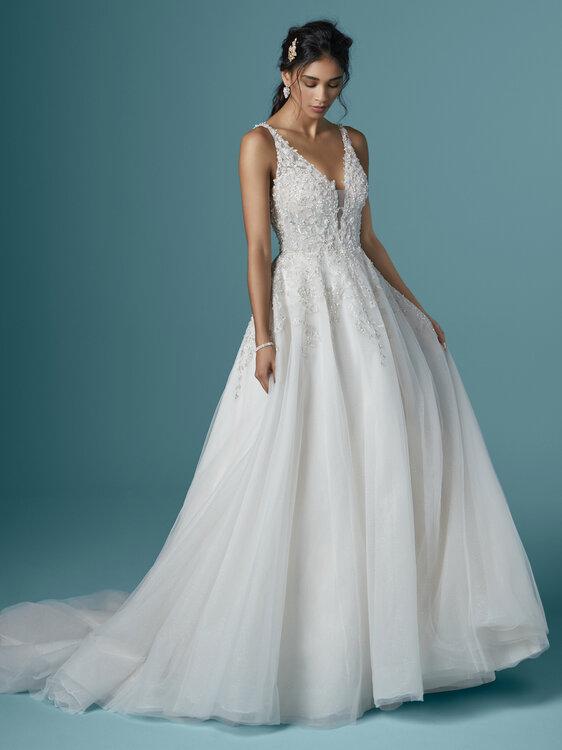 Ein Mix aus traditioneller Romantik und neusten Trends mit Hochzeitskleidern von Maggie Sottero 2020!