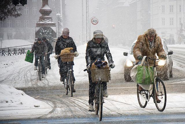 Cycling In Winter In Copenhagen Danmark Cykler Kobenhavn