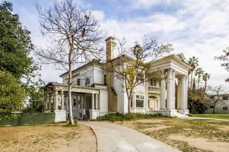 2218 s harvard blvd los angeles ca 2 i want this house pinterest grand old abandoned house built 1905 2218 s harvard blvd los angeles ca article w photos of the interior stunning publicscrutiny Gallery