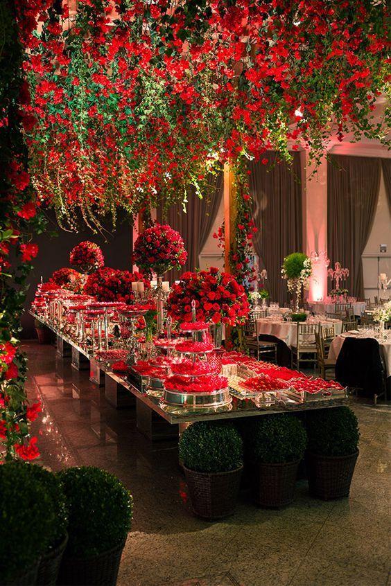 Decoration Rouge Pour Votre Ceremonie De Mariage Pour Le Beau Jour