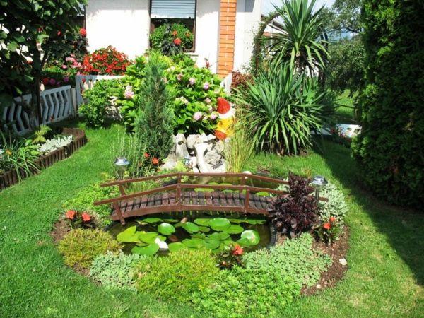 gartengestaltung ideen gartenbau teich anlegen kleine brücke - Terrasse Im Garten Herausvorderungen