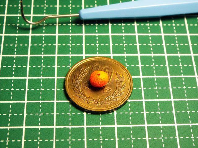 【ミニチュアフード】ミカンの作り方    塗料が乾燥すると、こんな感じに。
