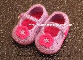 Crochet Baby Booties ♥ Baby Booties . REALLY FREE PATTERN...