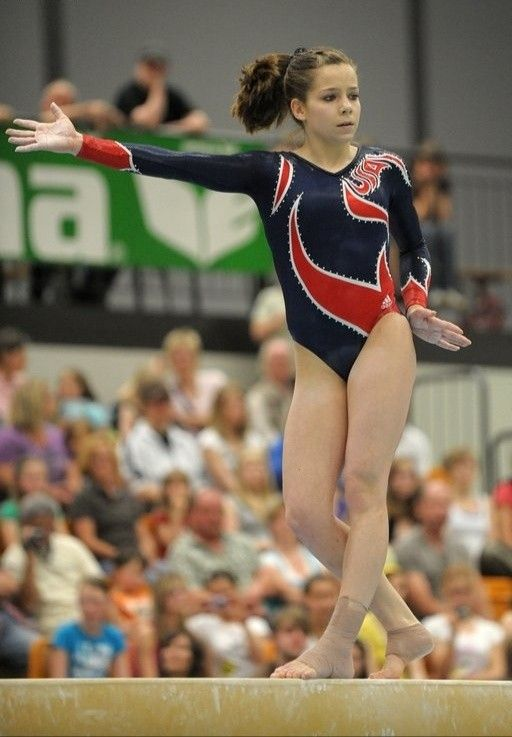 Gymnast Dominique Moceanu on the balance beam | Olympic