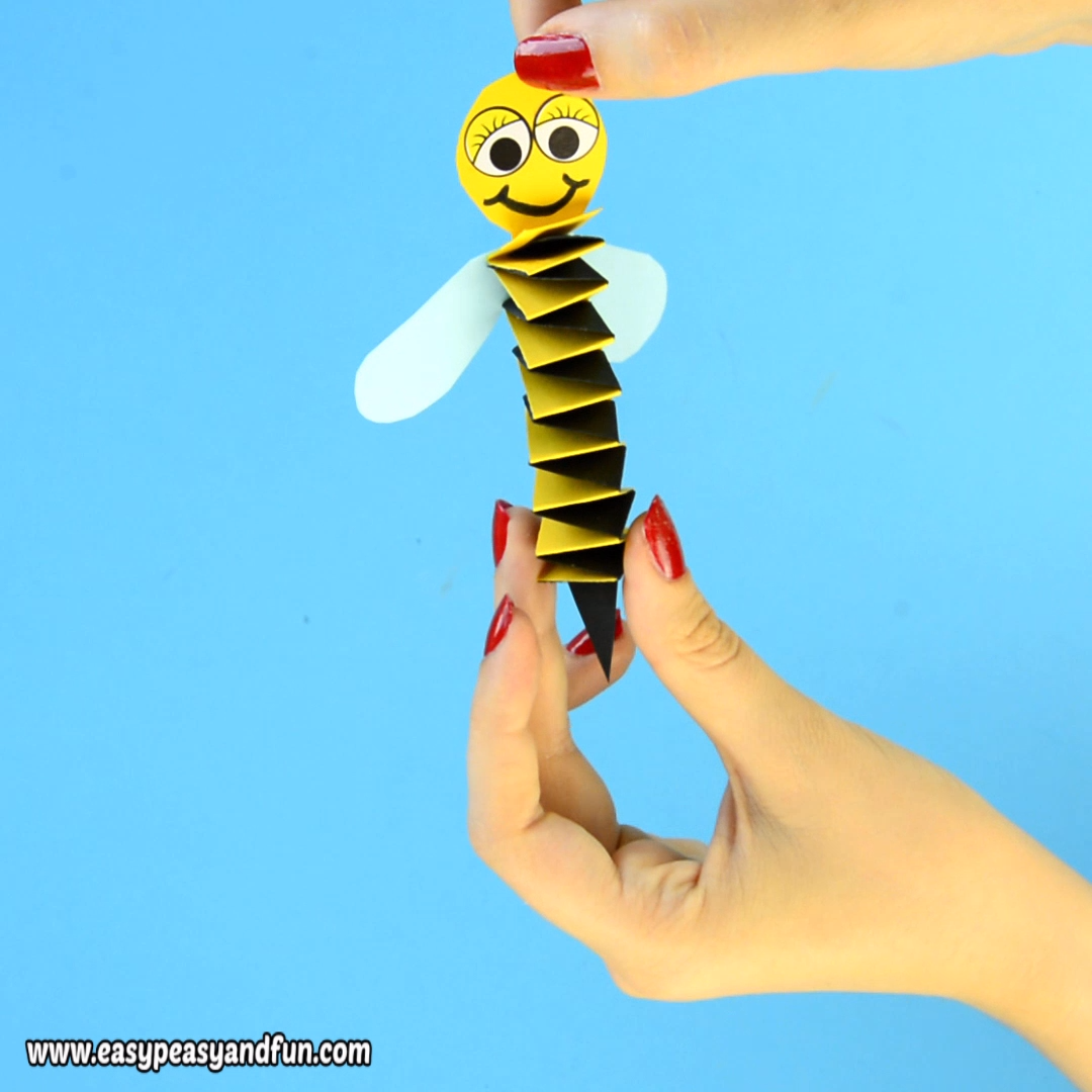 Akkordeonpapier Bee Craft für Kinder   – Easy Peasy and Fun