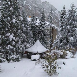 Hola neeeu!!! 👋 🚩Ribera de Cardós, 16/01/2017. #holaneu #neu #snow #nieve #riberadecardos #hotelmuntanya #hotelcardos #hotelmontaña #pirineus #pirineulleida #pyrenees #pirineolerida #igerscatalunya #amazingviews #jardi #lleida #pirineo #igersphoto #mountain #mountainlovers #pallarssobira #pallars