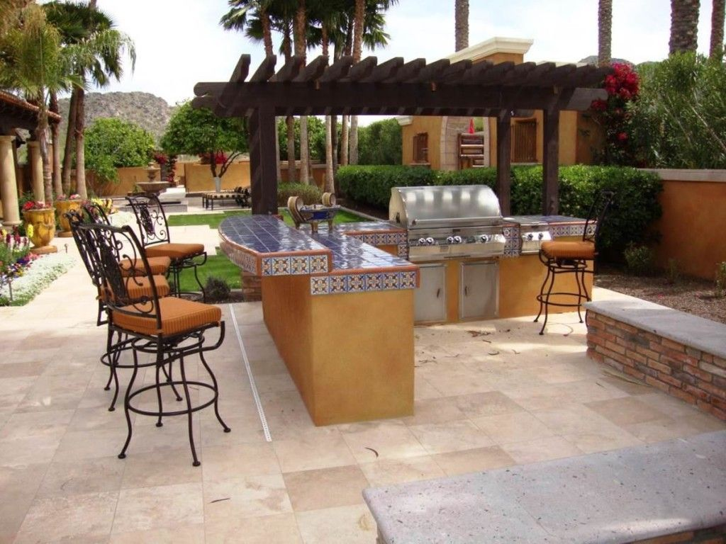 Outdoor barbeque island and bbq area design home sweet for Outdoor kitchen bbq ideas