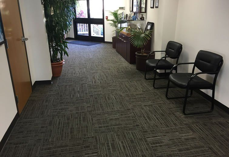 I Appreciate The Professional Look Of These Gray Carpet Tiles I Can See How The Variation In Color Would Buying Carpet Stair Runner Carpet Carpet Installation